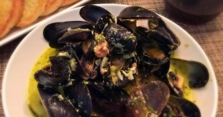 Mussels and Chorizo in Basil Cream Suace