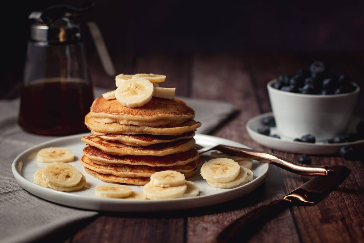 Easy, High Protein Banana Pancakes